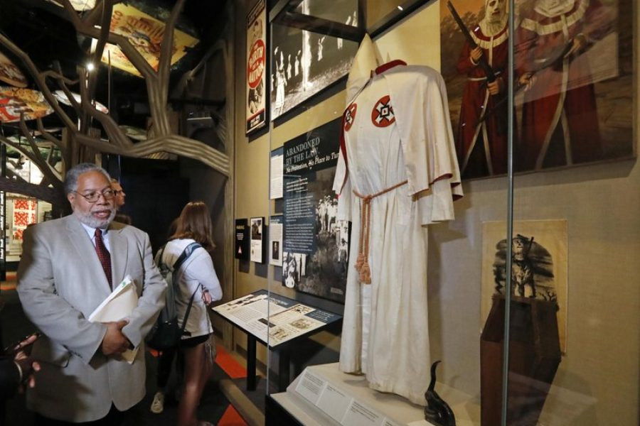 AP: Smithsonian director tours Mississippi Civil Rights Museum