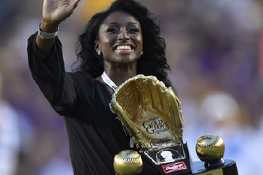 Rawlings Gold Glove Awarded to First Female Ever